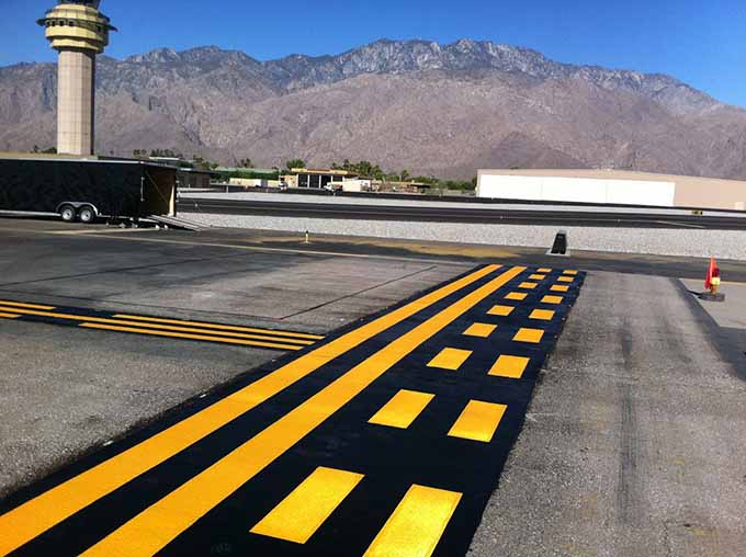 Продукция декоративной маркировки и разметки термопластиком аэропортов - технология AirMark