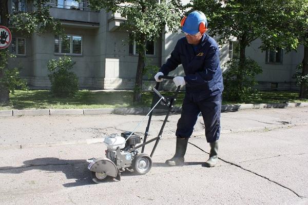 Установка механической очистки швов Billy Goat Grazor
