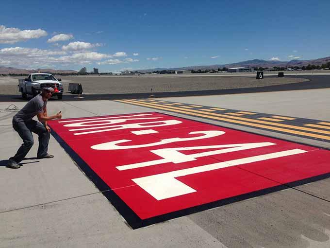 Продукция для маркировки и разметки аэропортов - технология AirMark